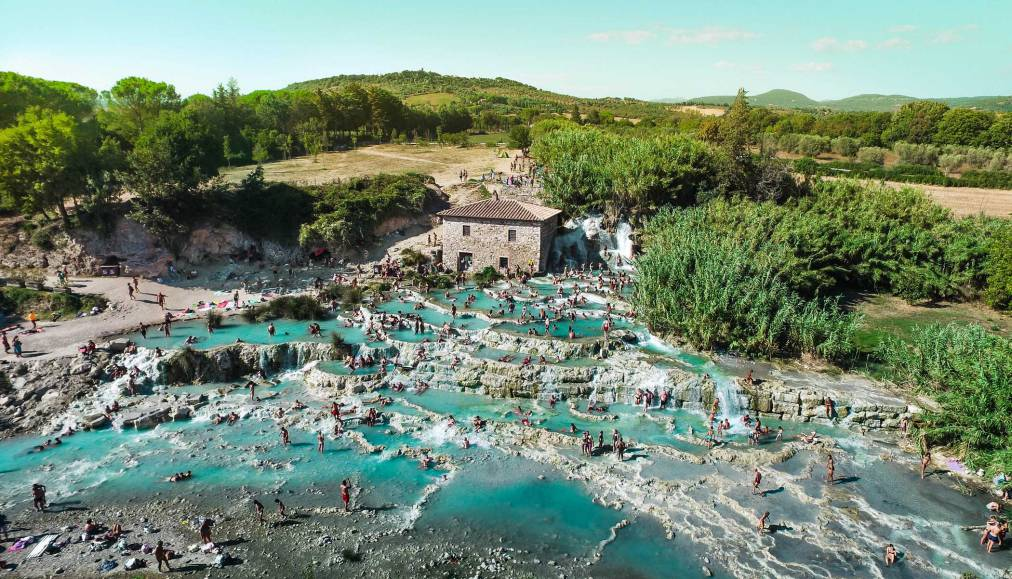 Saturnia-hot-springs-tuscany-by-vaidas